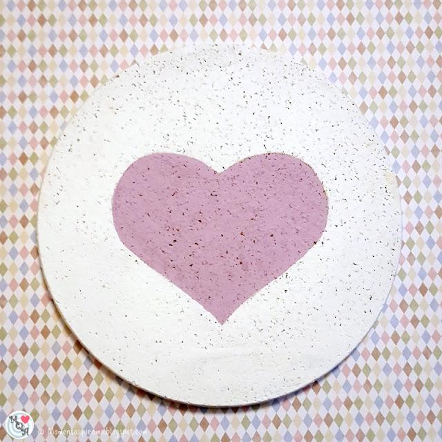 Pintamos el corazón con un color que contraste