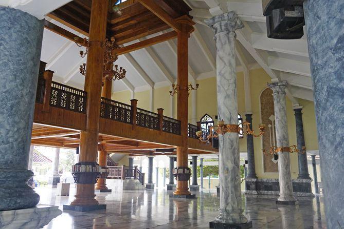 Arsitektur bangunan di Masjid Agung Rembang