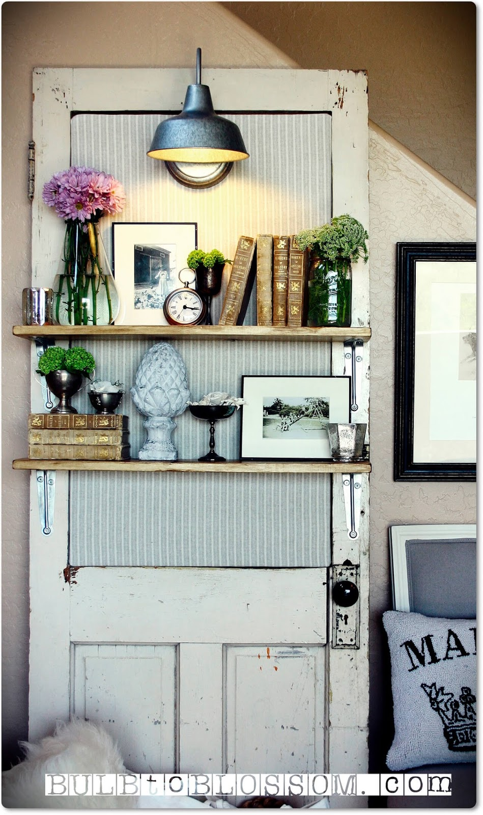 33 Artistic And Practical Repurposed Old Door Ideas Do It Yourself