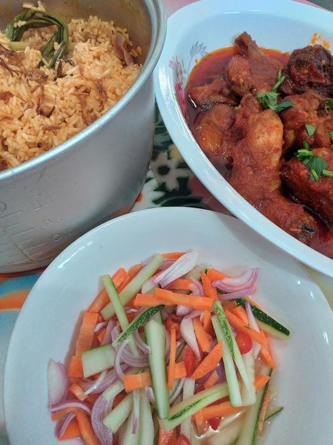 Resepi Nasi Tomato Simple Yang Sedap (Lengkap Dengan Ayam Masak Merah & Acar Timun Nenas)