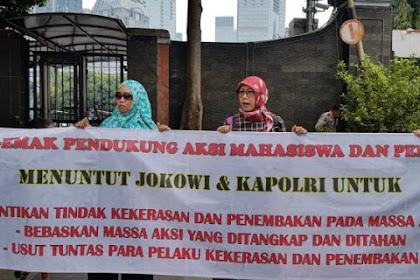 """""""Emak-Emak Indonesia"""" Gelar Aksi Tolak Tindakan Represif Aparat Kepolisian"""