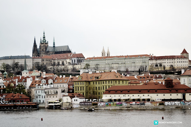 bowdywanders.com Singapore Travel Blog Philippines Photo :: Czech Republic :: Czech Republic's Charles Bridge Fact: The Most Populated Bridge in Prague