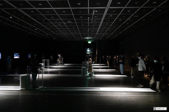 【大叔生活】來台北當代藝術館,更新一下你的藝術敏銳度! - 二樓有一個全館最大的展覽空間,最具代表性的內容會在這展出