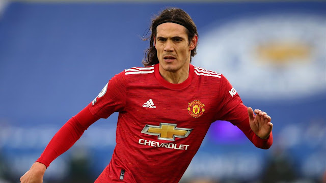 Edison Cavani in action for Manchester United