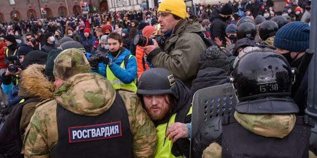 Суд оштрафовал немого жителя Санкт-Петербурга из-за того, что тот выкрикивал лозунги
