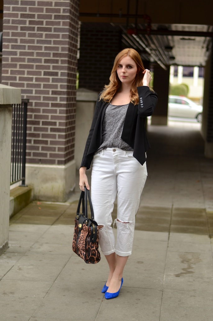 How to Style an American Eagle Eye Grey tank top