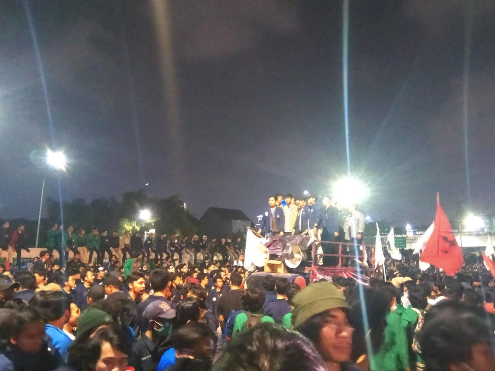Orasi Mahasiswa: Jokowi Harus Mundur!