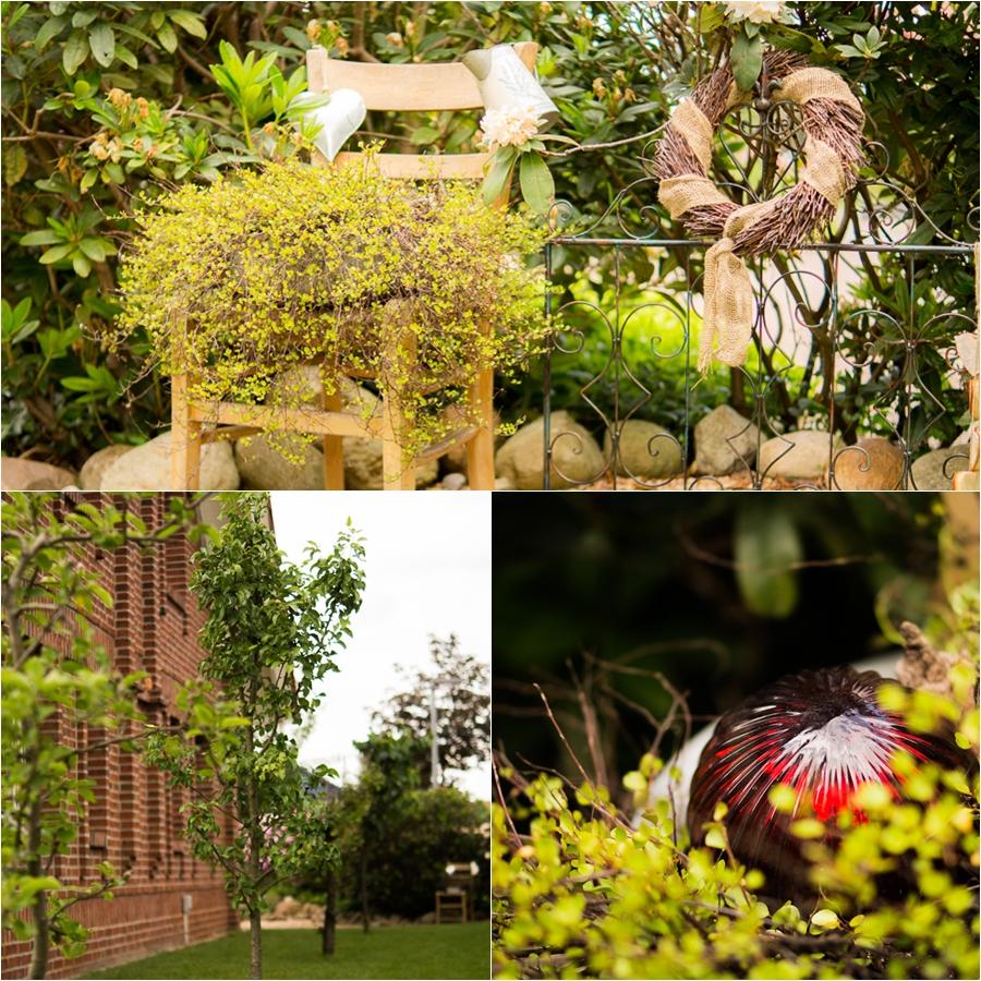Blog + Fotografie by it's me | fim.works | Ein Garten im Norden | Collage vom Spalierobstgarten | Deko mit Holzstuhl und Metallzaun