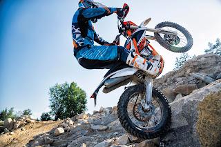 KTM-Freeride-250-F-wheelie