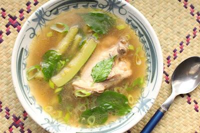 soupe de courgette et poulet philippines