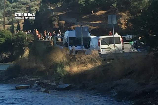 Ανασύρθηκαν οι σοροί των τριών επιβαινόντων στο μοιραίο ελικόπτερο που συνετρίβη στον Γαλατά (βίντεο)