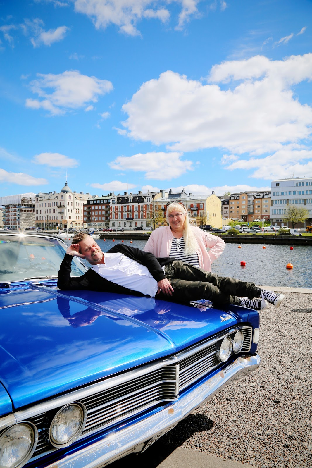 Härnösand fotograf veteranbilar cruising mercury coverboy Maria-Thérèse Sommar