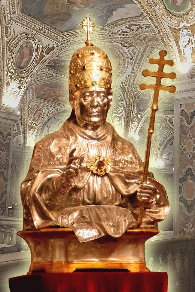São Gregório VII, busto de ouro e prata na catedral de Salerno