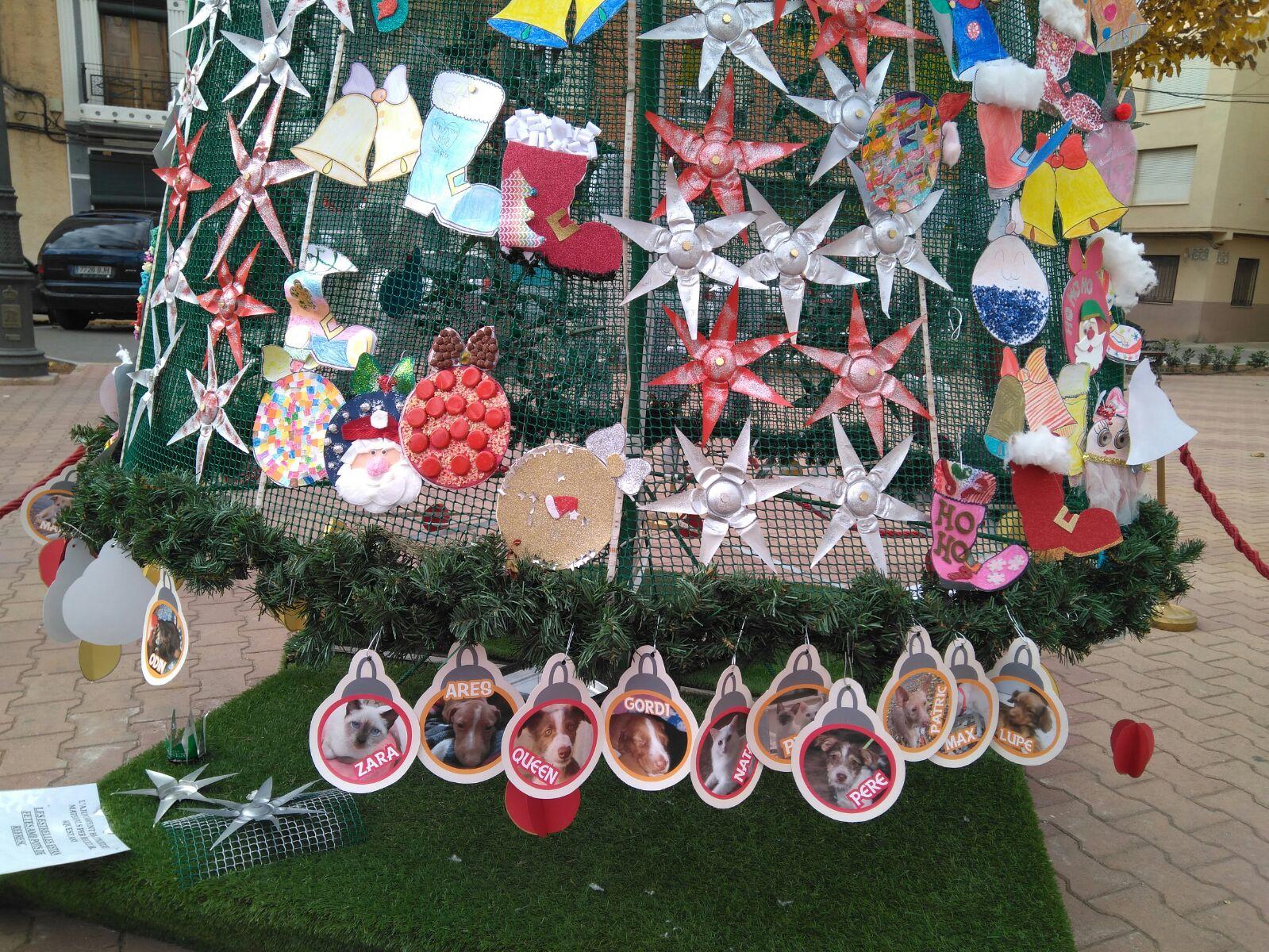 76688c687aeef Se ha convocado en Canals la III Edición del Concurso de Escaparates. Con  el fin de promover el comercio local en una temporada clave como es Navidad  se ha ...