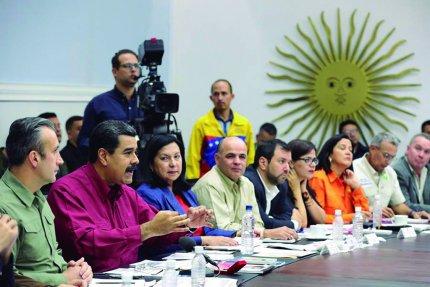 Maduro ratifica disposición al diálogo con el gobierno de EE.UU.