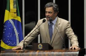 Governo do PT leva o Brasil a um rumo errado, diz Aécio Neves