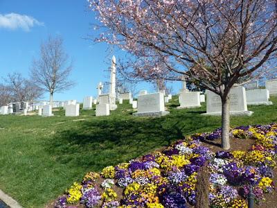Flores en Arlington cementerio militar