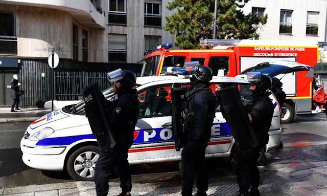 فرنسا : 3 مصابين في عملية طعن قرب مقر صحيفة شارلي إبدو  في باريس