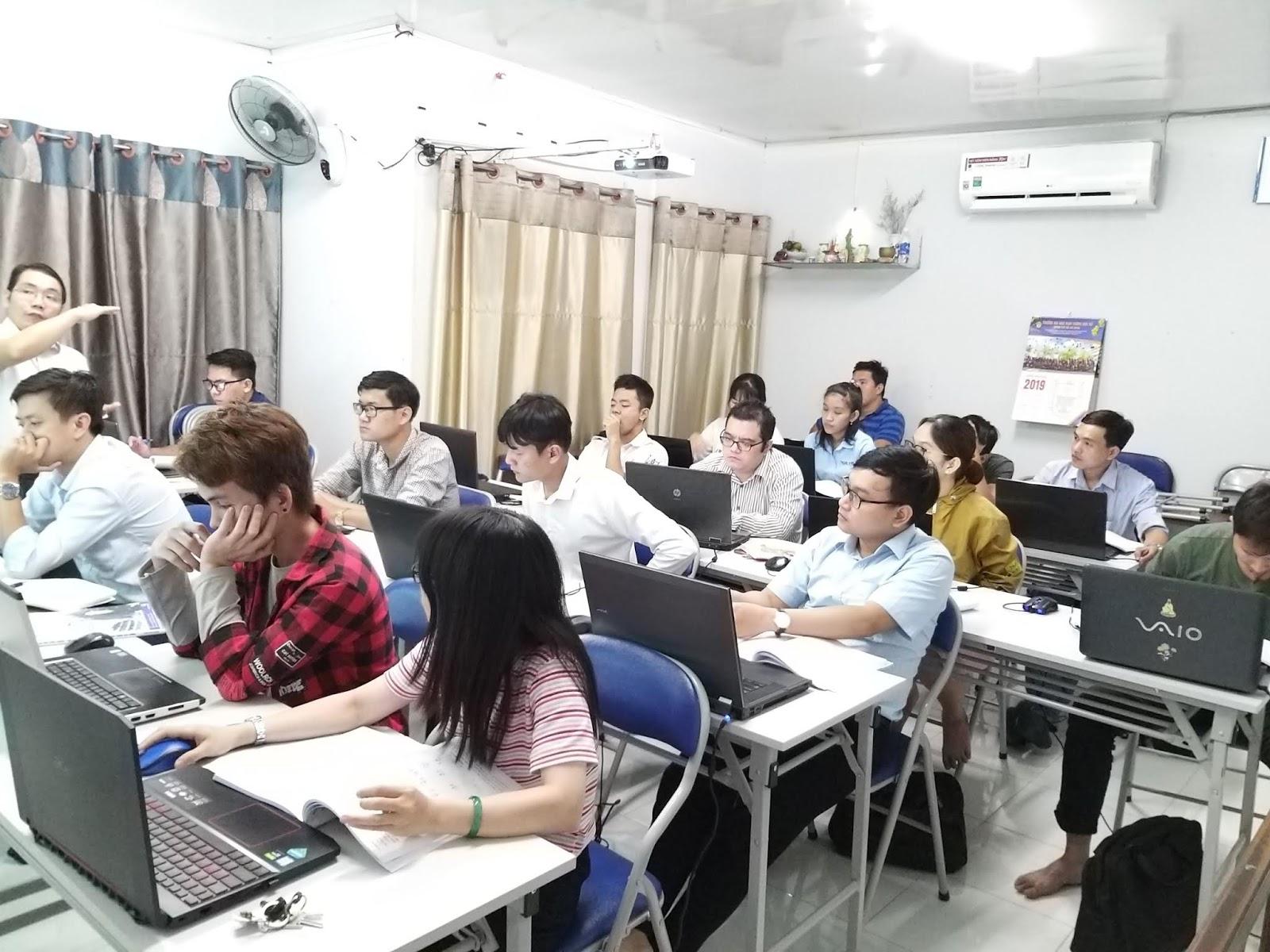 Lớp học dự toán tại Tp.HCM cho người mất gốc. Free PM