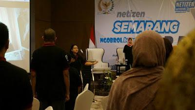 Menjadi dirigen menyanyikan lagu Indonesia Raya diikuti seluruh peserta. (Dok:Pri)