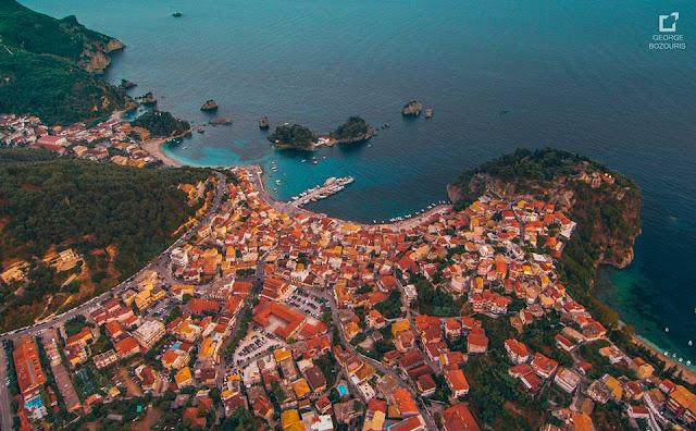 Πιο συγκεκριμένα στην κορυφή των προτιμήσεων των Ευρωπαίων για φέτος βρίσκονται το νησί της Κρήτης και τα Κανάρια Νησιά. Αυτό προκύπτει από τον «Άτλαντα διακοπών-Καλοκαίρι 2021» του ομίλου, ο οποίος αξιολογεί τους πιο δημοφιλείς προορισμούς διακοπών της TUI στην Ευρώπη.