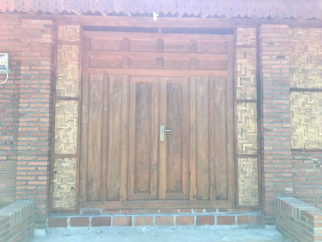 pintu gebyok kayu jati lawas
