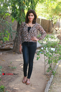 Tamil Actress Sai Dhansika at Vizhithiru Movie Press Meet Stills  0019.jpg