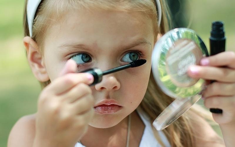 Erken ergenlik kız çocuklarında daha çok görülüyor