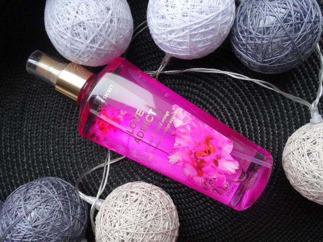 Victoria's Secret Love Addict mgiełka zapachowa