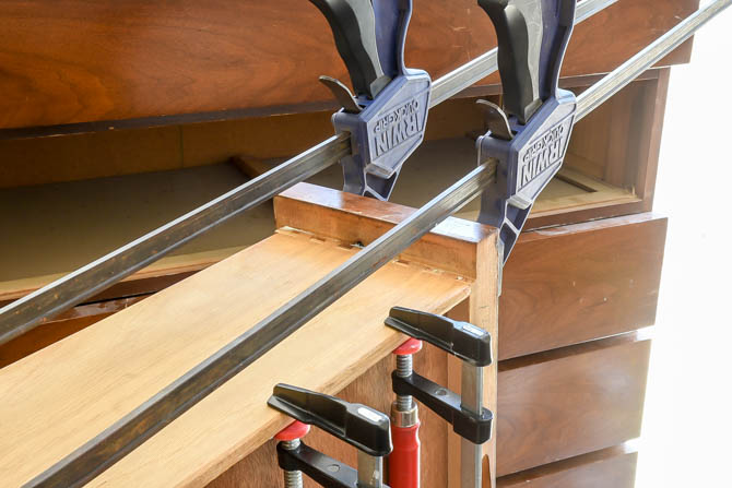 Clamping glued dovetail joints