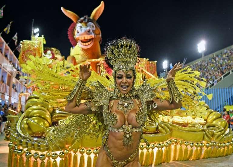 Sem vacina, sem carnaval