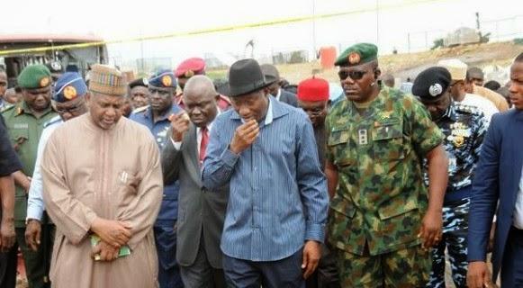 4 Pics from Pres. Jonathans visit to bomb victims at Asokoro Hospital