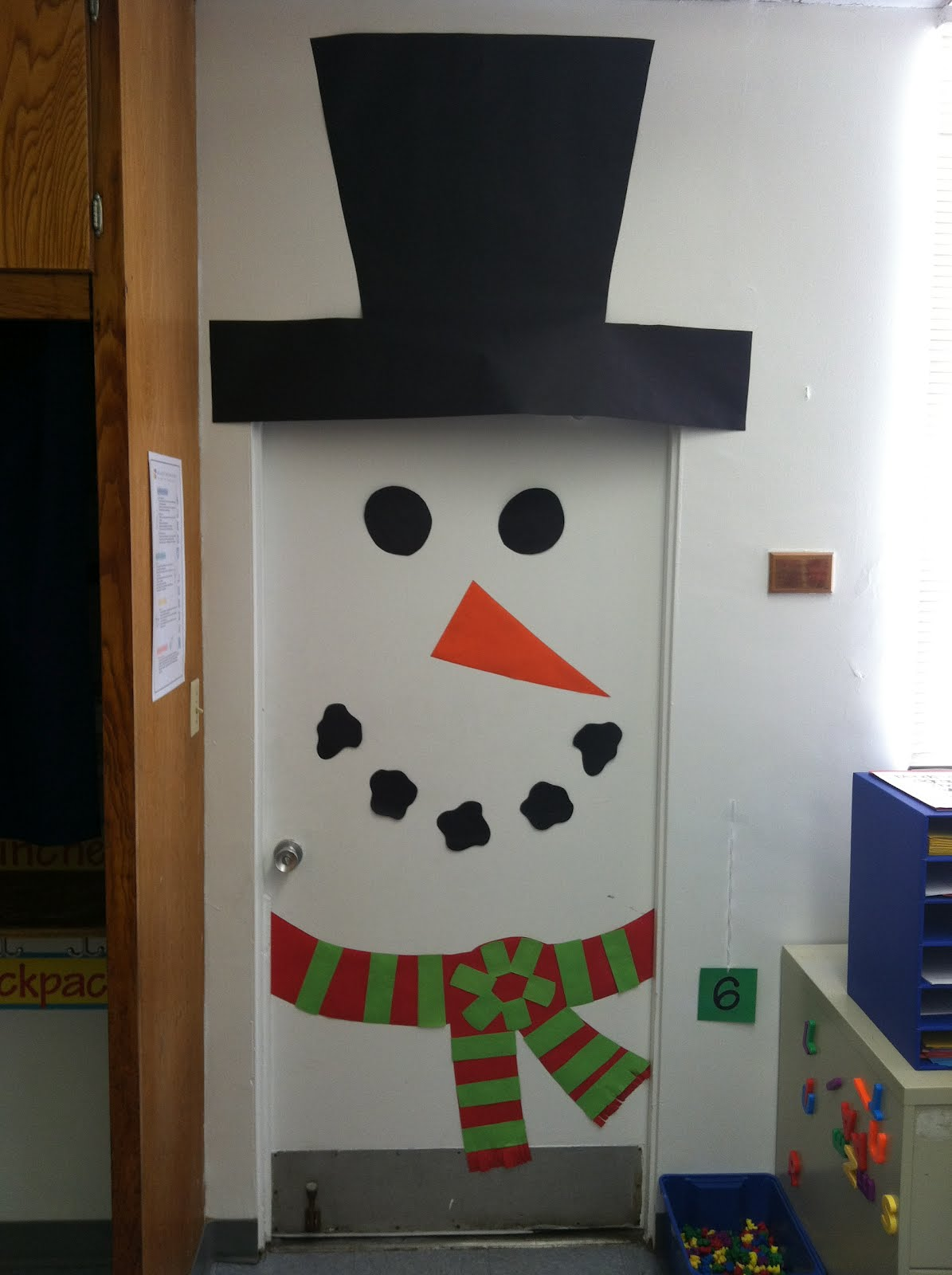 A Day in the Life of a Kindergartner : Door decorating ...