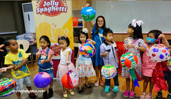 Jolly Spaghetti Pinaka-Sweet Day - Jollibee Bacolod - Bacolod blogger - Bacolod mommy blogger - activities for kids - clay - painting lanterns - BFF - childhood friends - homeschooling in Bacolod - mom and daughter bonding - lantern painting activity