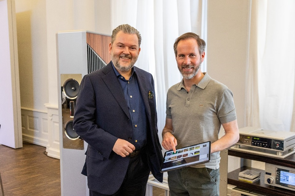 Mono and Stereo High-End Audio Magazine: Burmester streaming