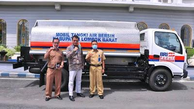Pemkab Lombok Barat Terima Truk Tangki Air dari BRI