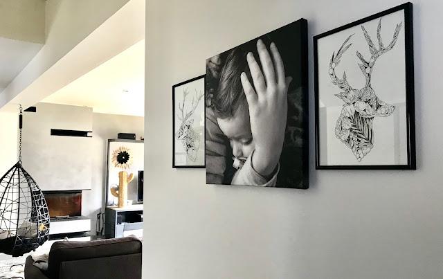 photo de ma fille et mon fils imprimée sur une toile en noir et blanc
