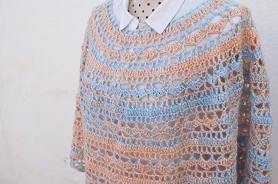 3 - Crochet Imagen Capa o poncho a crochet y ganchillo muy fácil y sencillo por Majovel Crochet