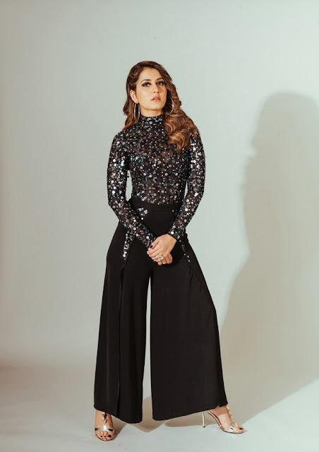 Actress Raashi Khanna Beautiful Images Actress Trend