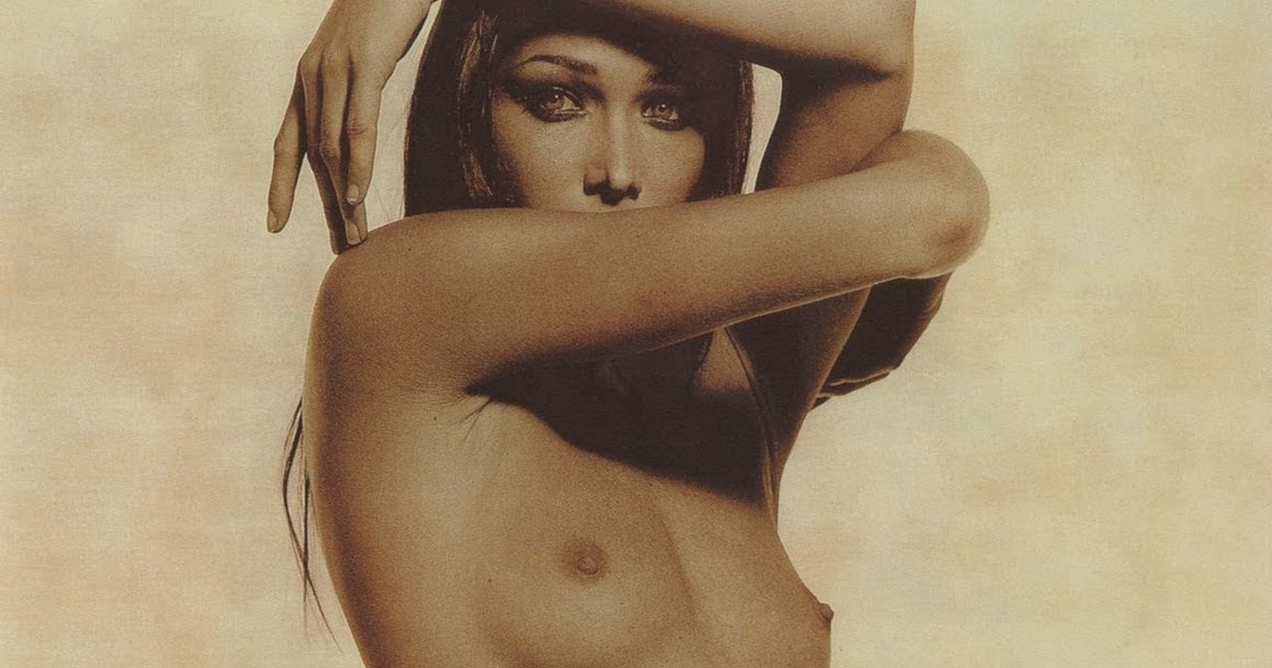 Bruni Nude Photo 23