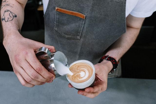 aprende ingles trabajo barista cafe crema