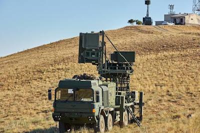 KORAL Mobil Radar EH(Elektronik Harp) Sistemi,Her biri 8x8 askeri taktik araç üzerine entegre edilmiş bir adet Radar Elektronik Destek Sistemi ve dört adet Elektronik Taarruz Sisteminden oluşur.   Koral sistemi opsiyonel olarak Görev Planlama ve Görev Analiz Yazılımı ile sunulmaktadır.   Görev Planlama Yazılımı ile görev öncesinde görev bölgesine özel hazırlıklar ve analizler yapabilmektedir.   Görev Analiz Yazılımı ile görev esnasında kaydedilen radar sinayallerinin detaylı parametre analizlerinin yapılması ve sistem kütüphanesinin güncellenmesi yeteneği sunulmaktadır.