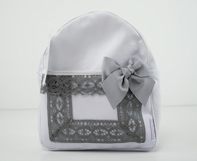 mochila colegio lencera blanca gris