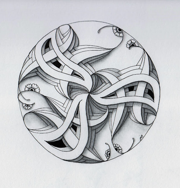 round abstract ink drawing using zentangle
