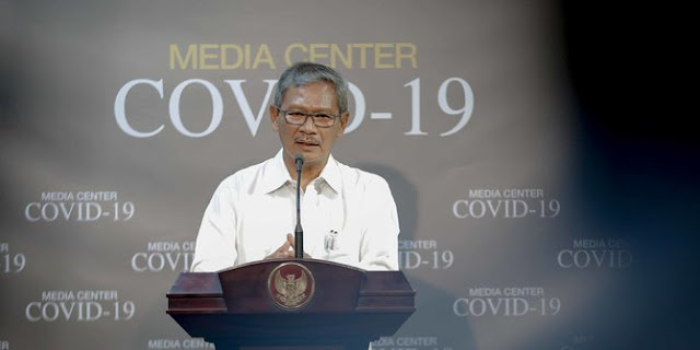 Pemerintah Gerak Cepat Tangkal Corona: Masa Nanti Idul Fitri Salaman Pakai Kaki