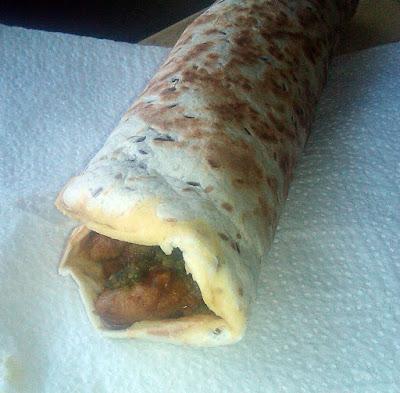 KATHI ROLLS (CHICKEN FRANKIE), COMIDA INDIA CALLEJERA street food pollo chutney pan plano paratha RECETA GASTRONOMIA