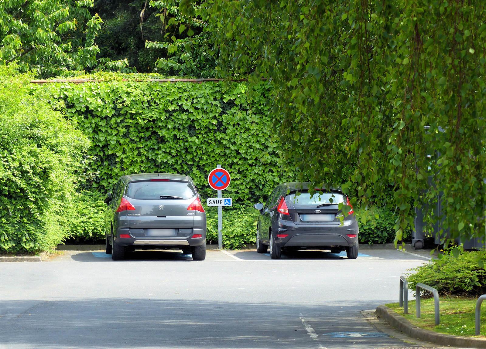 Clinique Victoire, Tourcoing - Parking, places handicapés