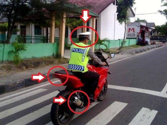 8 Alasan Orang Sengaja Tidak Pakai Helm Saat Naik Motor, Polisi Gak Pakai Helm Cuma Pakai Topi