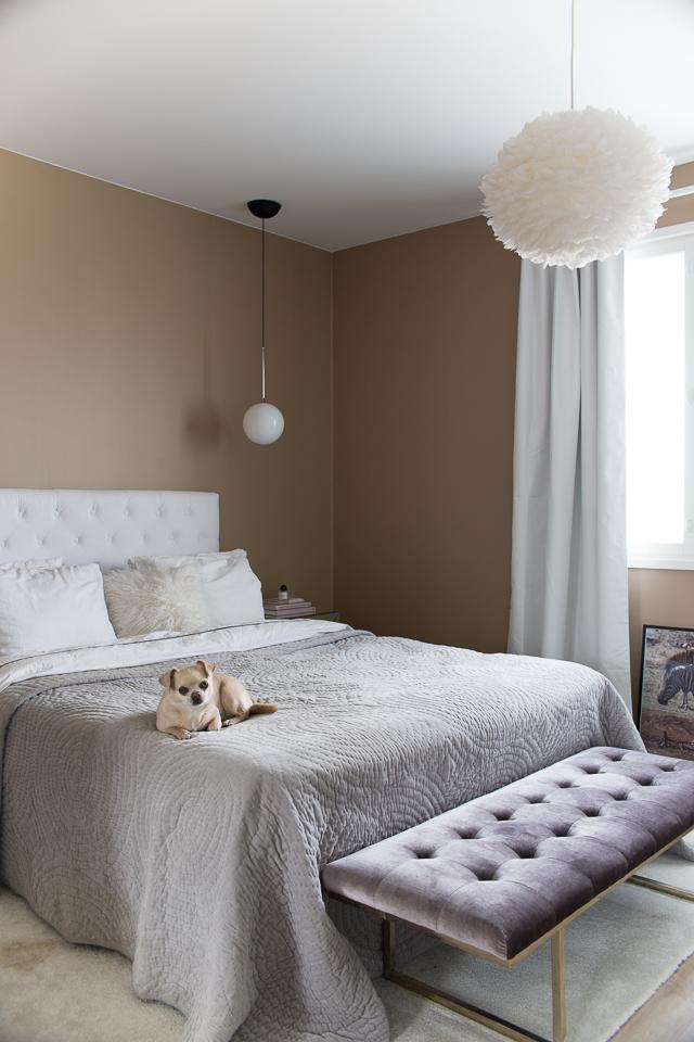 Villa H, makuuhuoneen sisustus, makuuhuone, pimennysverhot, flos ic valaisin