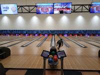 Main bowling gratis di JSC Bowling Centre